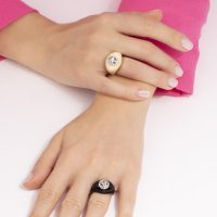 anello-arcobaleno-indossato-b-p