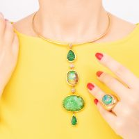 amuleto indossato