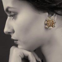 orecchini-jonquille indossato 2